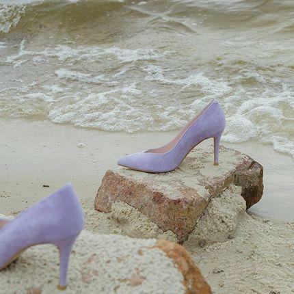 Лодочки Violet для особенных случаев✨  С V-образным вырезом в области пальчиков, сделанные на нашей новой колодке с 9 см каблуком и удлиненным носиком 💔  В новой коллекции во всех размерах: www.lookie.com.ua 0 (97) 718 96 41