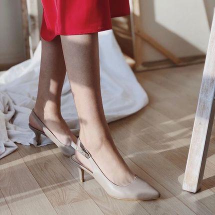 У нас новости! Завтра, 12 июля, у нас стратует SALE, да ещё и на новом сайте! Выбирать обувь будет удобно как никогда :) Ну и традиционно, самые сочные скидки будут в сторрриз 🥰  И вы знаете, что лучше не ждать, а сразу идти к нам 👉 м. Золотые ворота, ул. Ярославов Вал 10Б вт-пт 15:00 - 20:00 сб 11:00 - 17:00 097 718 96 41